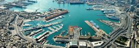immagine del porto di Genova